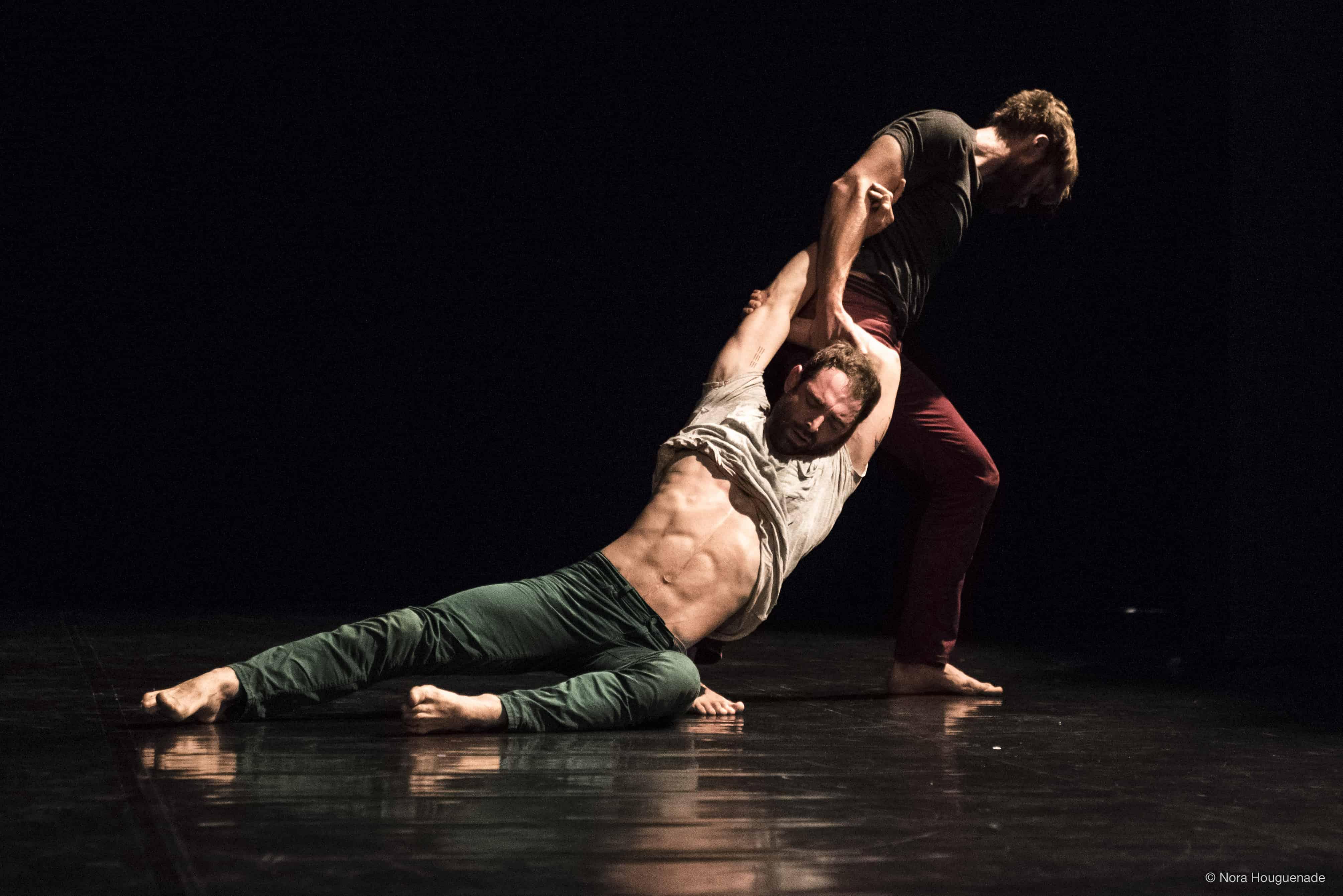 theatre onyx - d'une pierre deux coups - cirque - danse - la carriere - 2019