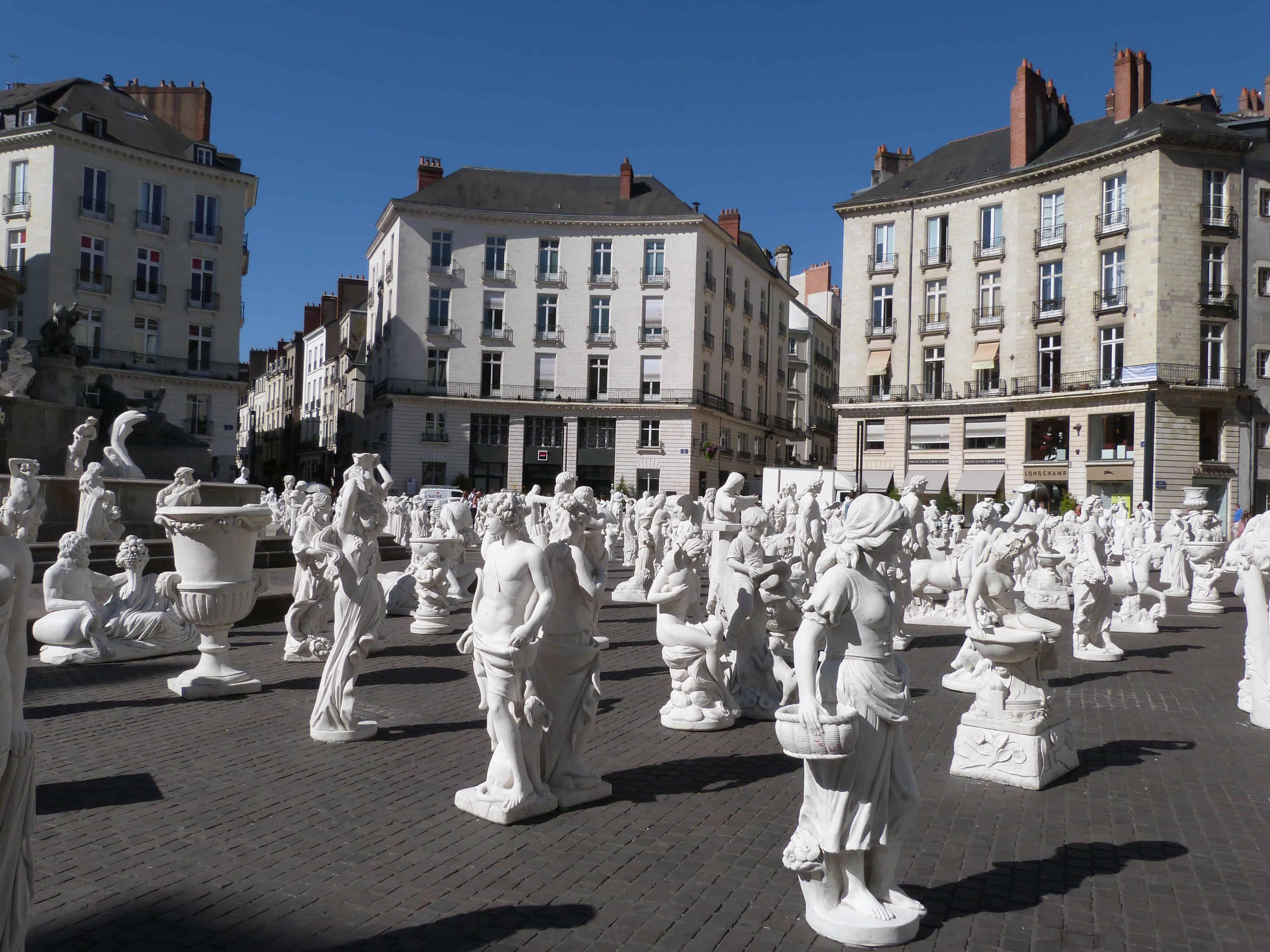 place royale statues voyage a nantes vente 750