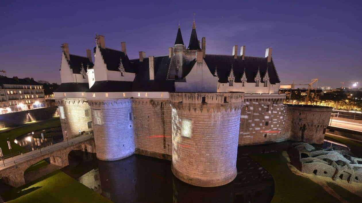 chateau des ducs de bretagne projection plein air hallucin&moi