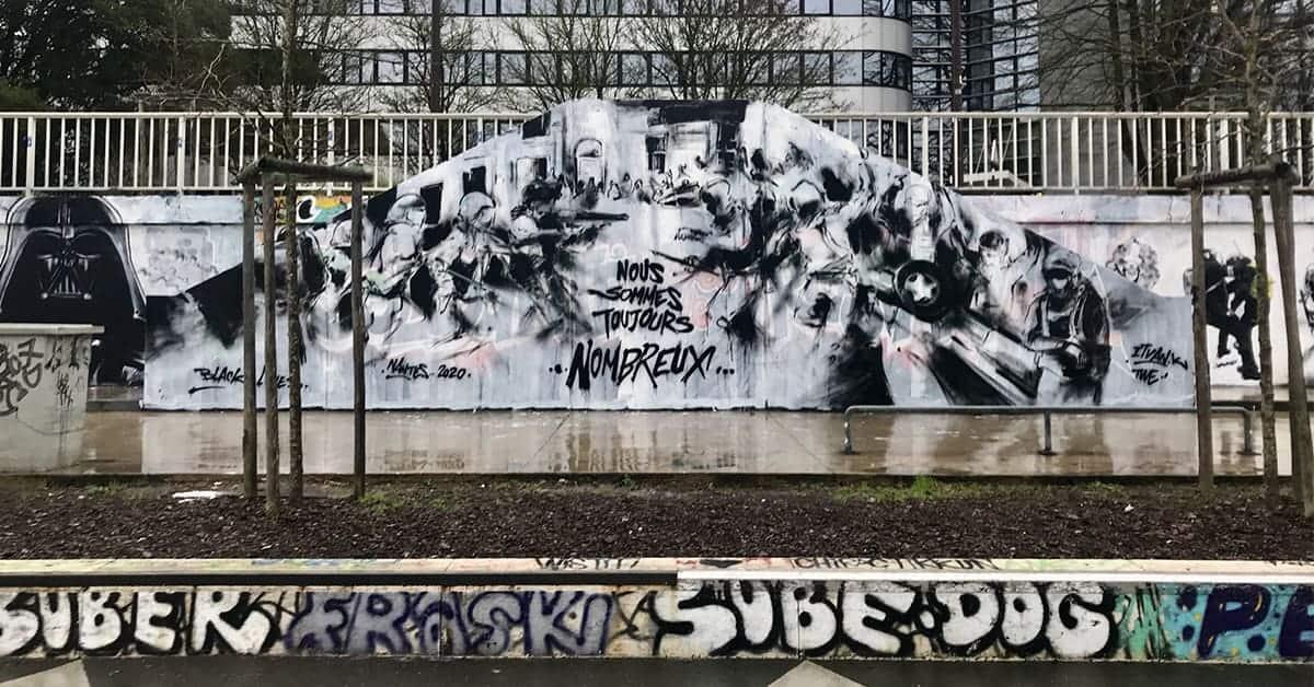 fresque contre la repression quais de la loire 2