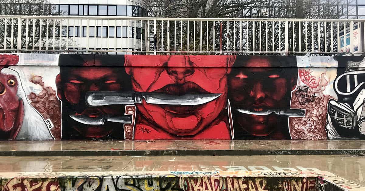 fresque contre la répression quais de la loire 5