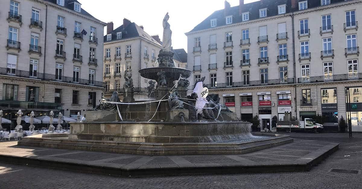 hommage steve fontaine de la place royale nantes 2020