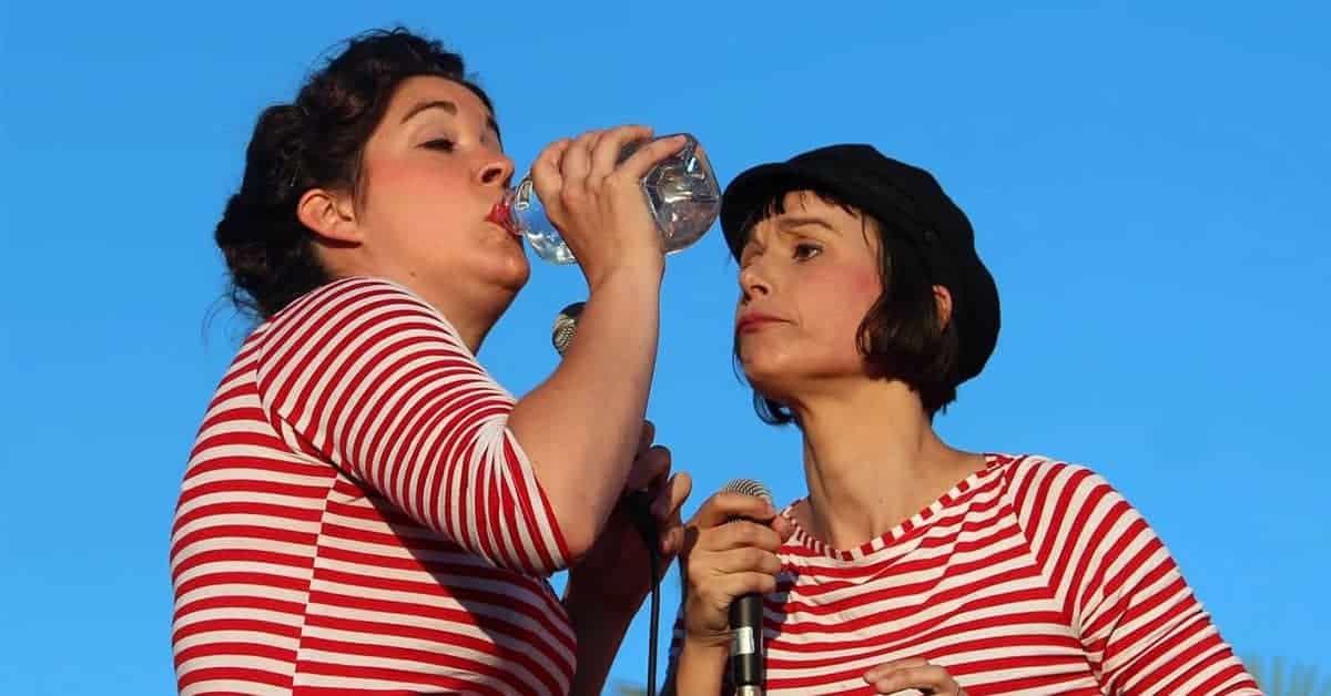 deux-femmes-a-bord-biches-cocottes-Manoir-Parc-de-la-Châtaigneraie-2020